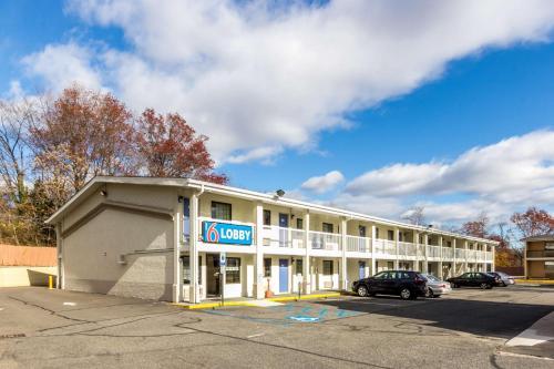 Motel 6 New Brunswick - New Brunswick, NJ 08901