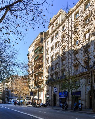 VINTAGE - Plaza Universidad (5Bedrooms/2Bathrooms) photo 4