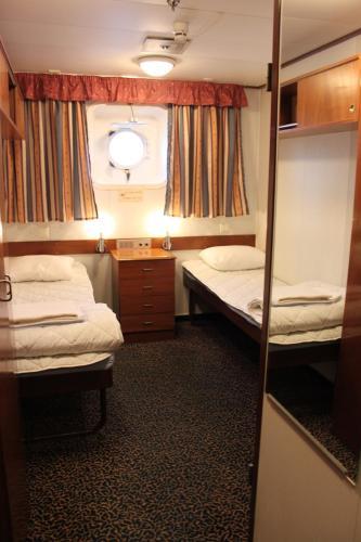 Hotel Laivahostel S/S Bore