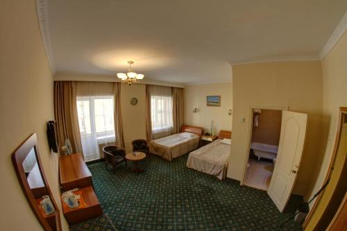 . Voyage Hotel