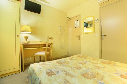 Hotel des Carmes photo 16