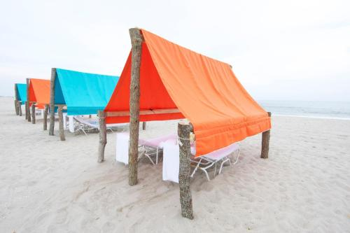 Beach Shack - Cape May, NJ 08204