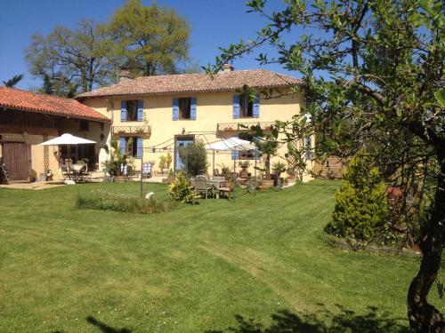 Domaine Le Chec - Accommodation - Saint-Ost