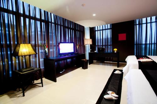 Miramar Hotel photo 7