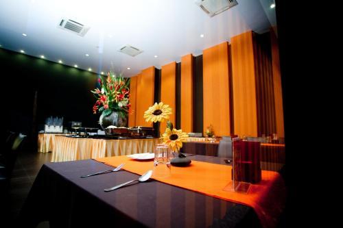 Miramar Hotel photo 9