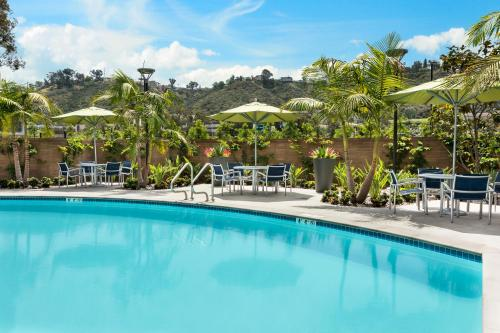 Hotel Springhill Suites By Marriott San Diego Mission Valley 1
