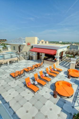 Ramada Plaza Resort & Suites By Wyndham Orlando Intl Drive - Orlando, FL 32819