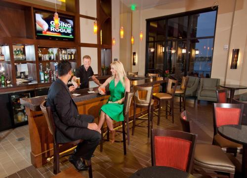 Ramada Plaza Resort & Suites by Wyndham Orlando Intl Drive photo 10
