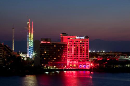 Ramada Plaza Resort & Suites by Wyndham Orlando Intl Drive photo 13