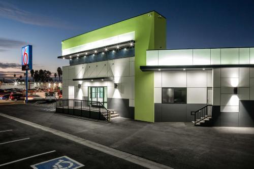 Motel 6-Canoga Park CA