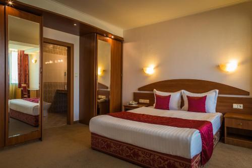 __{offers.Best_flights}__ Hotel Sevlievo Plaza