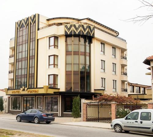 . Hotel Forum