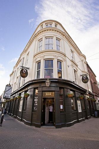 The Dickens Bar & Inn (B&B)