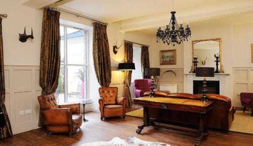 Brooks Hotel, Scotland