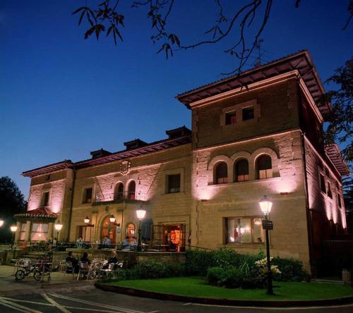 . Hotel Artaza