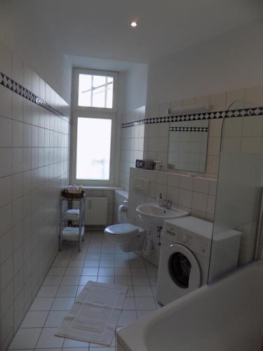 Roesch C.P. room photos