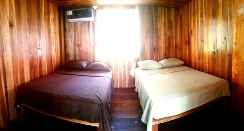 Deluxe Quadruple Room with Private Bathroom