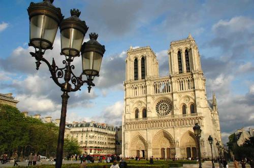 Notre Dame Paradis Latin photo 17