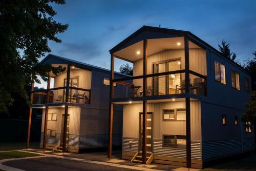 Luxury Three-Bedroom Mountain Spa Townhouse