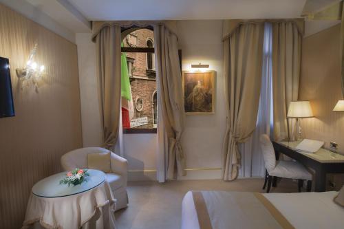San Marco 4596/A Corte Del Teatro Goldoni, San Marco, 30124 Venice, Italy.