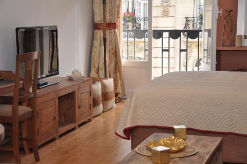 Champs Elysees Executive Apartment photo 5