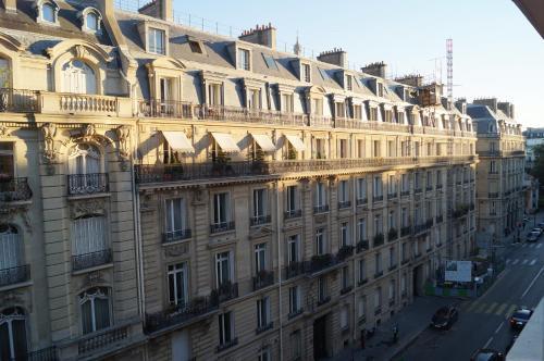 Champs Elysees Executive Apartment photo 14