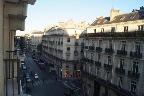 Champs Elysees Executive Apartment photo 15