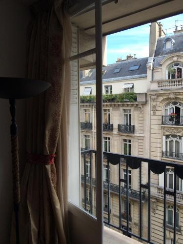 Champs Elysees Executive Apartment photo 24