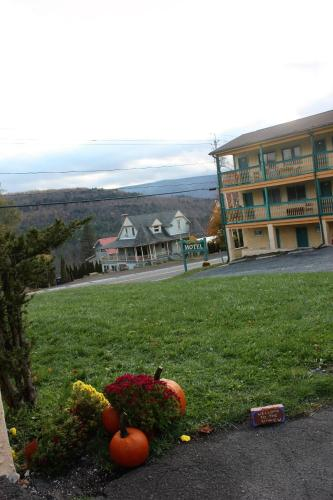 . The Sunview Motel