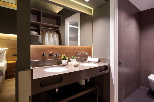 Enjoybcn Miro Apartments photo 62
