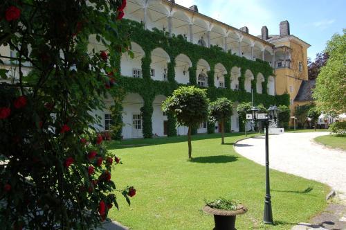 . Gästehaus Schloss Aschach