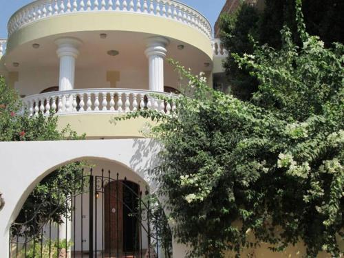 HotelLuxor Villa