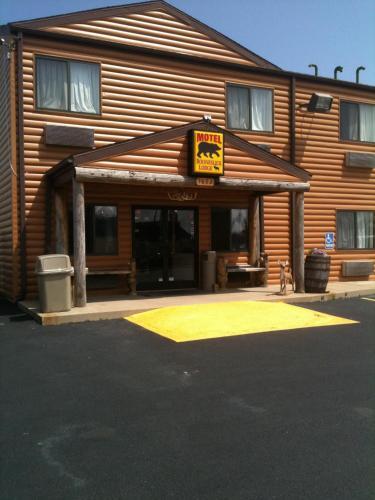. Booneslick Lodge - Neosho