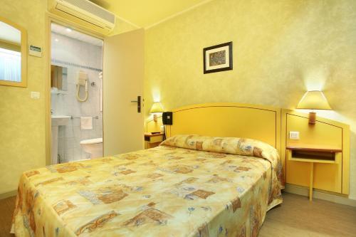 Hotel des Carmes photo 26
