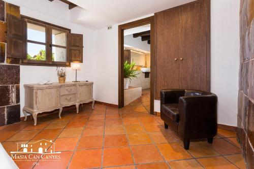 Habitación adaptada para personas con movilidad reducida - Cama grande Masia Can Canyes & Spa 3
