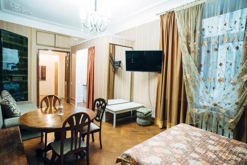 . Apartaments at Bolshoy prospekt 98