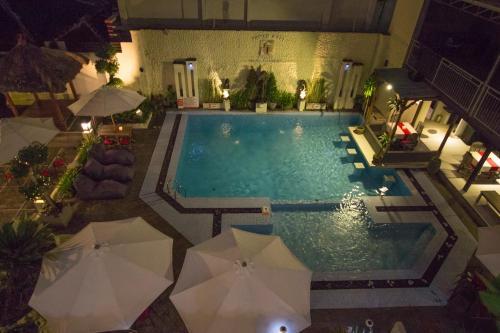 Taman Sari Beach Inn & Hostel