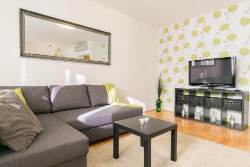 . Gozsdu Court Premier Apartment