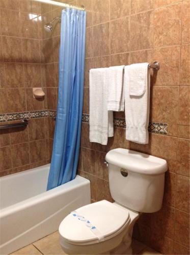 Walls Motel Long Beach - Long Beach, CA 90805