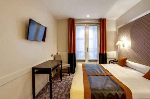 Hotel d'Amiens photo 37