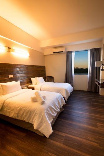 . Mandurah Hotel