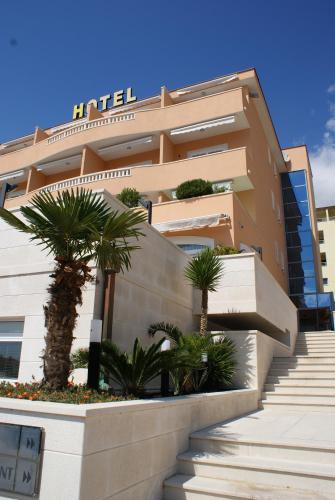 . Hotel Rosina