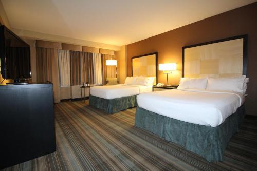 The Watson Hotel Угловой номер Делюкс с 2 двуспальными кроватями