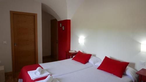 Habitación Doble con cama supletoria - 2 camas La Posada de Grimaldo 4