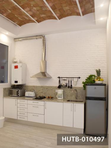 Modernist Marina Apartment photo 38