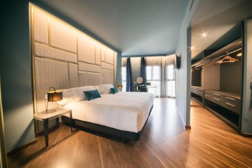 Suite Pamplona Catedral Hotel 21