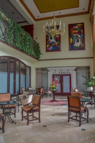Hotel Las Americas room photos
