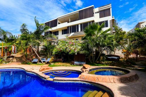 . ME Hotel & Villas - Montañita Estates