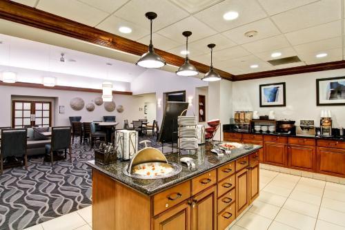 Homewood Suites By Hilton Bentonville-Rogers Ar - Rogers, AR 72756