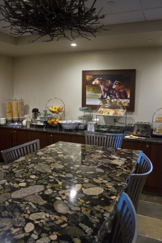 Cedar Creek Lodge & Conference Center - Columbia Falls, MT 59912